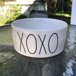 Brand New Rae Dunn XOXO Pet Dish